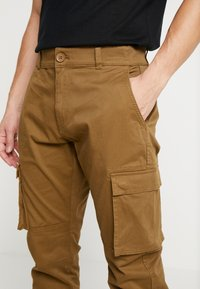 Only & Sons - ONSCAM STAGE CUFF - Cargo trousers - kangaroo - 3