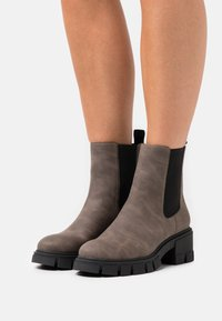 Call it Spring - VEGAN LOGANN - Platform ankle boots - dark brown - 0