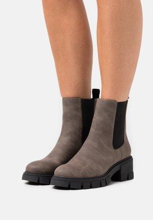 VEGAN LOGANN - Platform ankle boots - dark brown