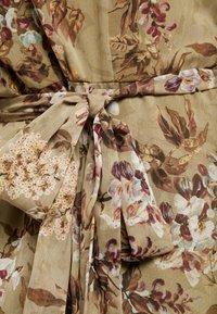 Hope & Ivy Maternity - FLUTTER SLEEVE WRAP DRESS - Maxi šaty - green - 5