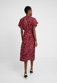 Great Plains London - CELESTE SKETCH - Denní šaty - cabernet milk - 3