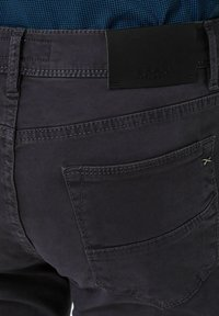 BRAX - STYLE CADIZ - Straight leg jeans - grey - 4