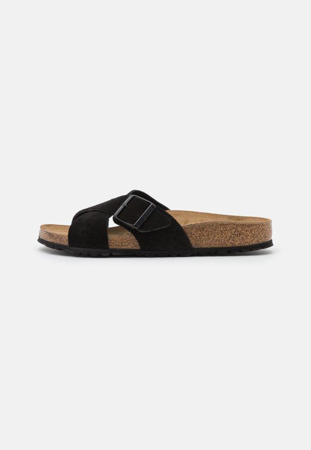 SIENA - Pantolette flach - black