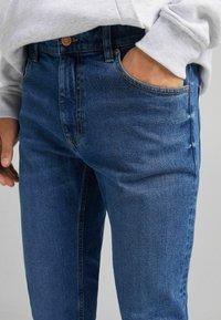 Bershka - SLIM - Jeans slim fit - dark blue - 3