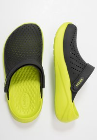 Crocs - LITERIDE - Clogs - black/lime punch - 1
