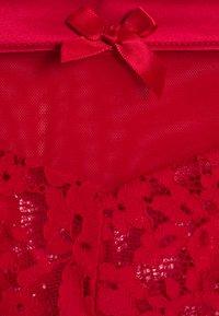 Hunkemöller - PERLA - String - tango red - 2