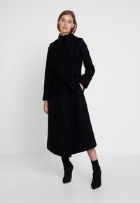 IVY & OAK - BATHROBE  - Classic coat - black - 0