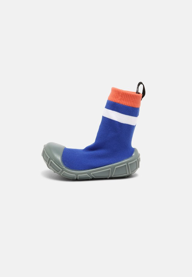 SOCKS IN A SHELL UNISEX - First shoes - blue