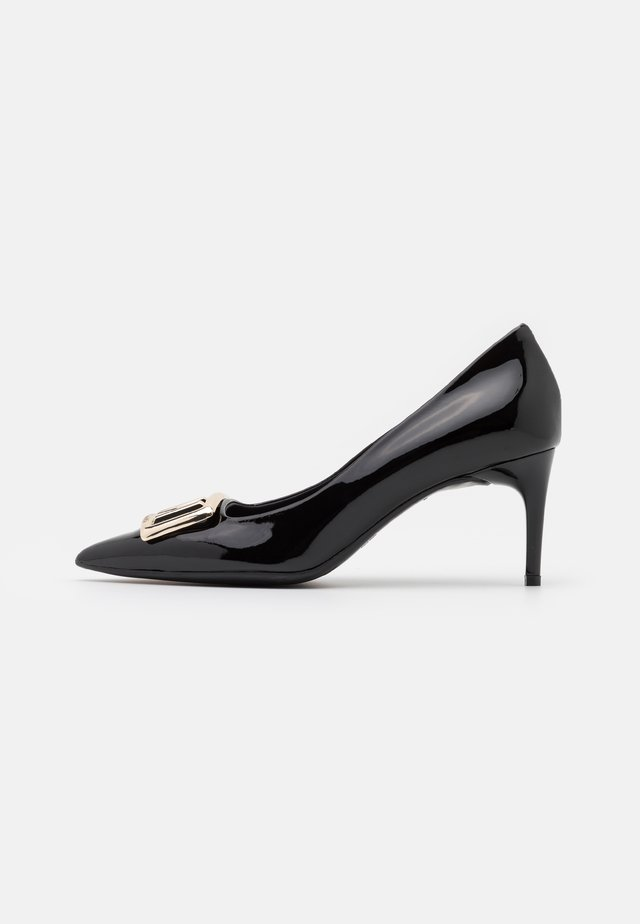 GROUP - Klassiske pumps - black