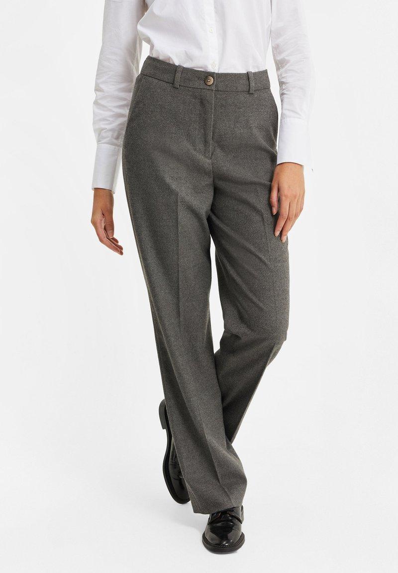 WE Fashion - DAMES GEMÊLEERDE - Suit trousers - blended dark grey