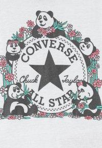Converse - PANDAMONIUM INFANT SET - Regalo per nascita - white - 3