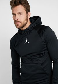 Jordan - 23ALPHA THERMA - Hoodie - black/white - 4