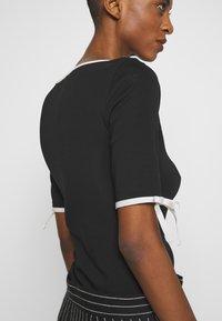 Lauren Ralph Lauren - T-shirt imprimé - black - 5