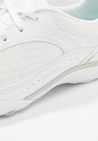Skechers - BREATHE EASY - Zapatillas - white - 2