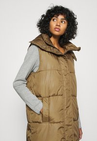 ONLY - ONLDEMY PADDED VEST - Waistcoat - grape leaf - 4