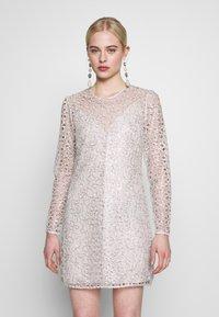 Stevie May - CONCORD DRESS - Koktejlové šaty/ šaty na párty - silver - 0