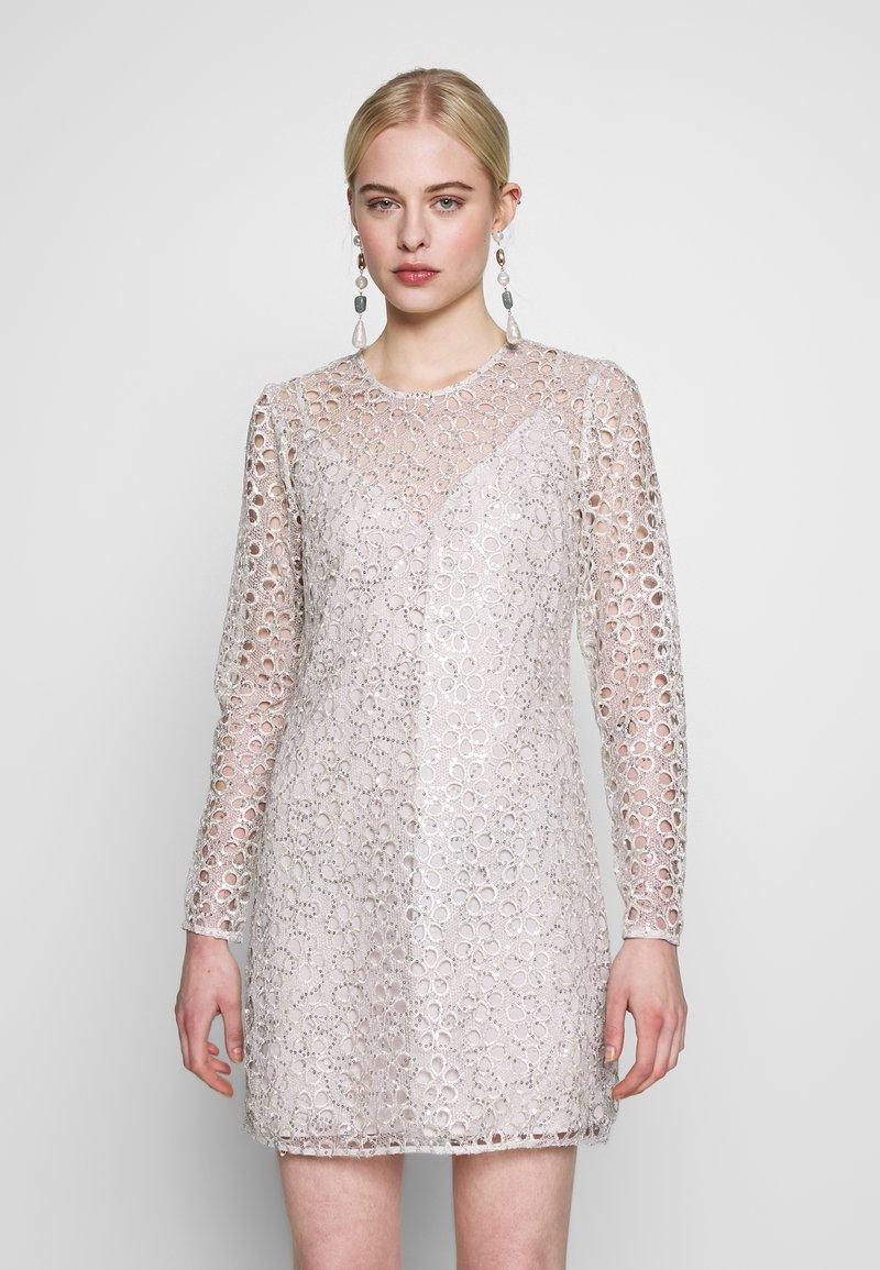 Stevie May - CONCORD DRESS - Koktejlové šaty/ šaty na párty - silver