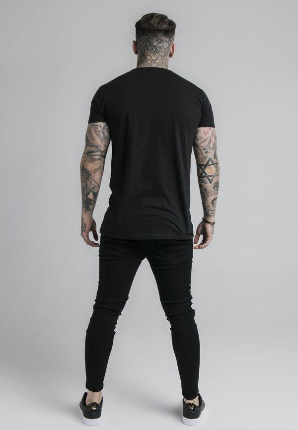 SIKSILK STRAIGHT HEM CHAIN BOX TEE - T-shirt z nadrukiem - black/czarny Odzież Męska JRYF