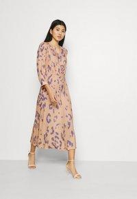 Closet - V-BACK WITH BOW MIDI DRESS - Day dress - peach - 1