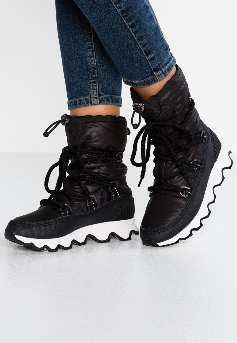 Sorel - KINETIC - Winter boots - black/white
