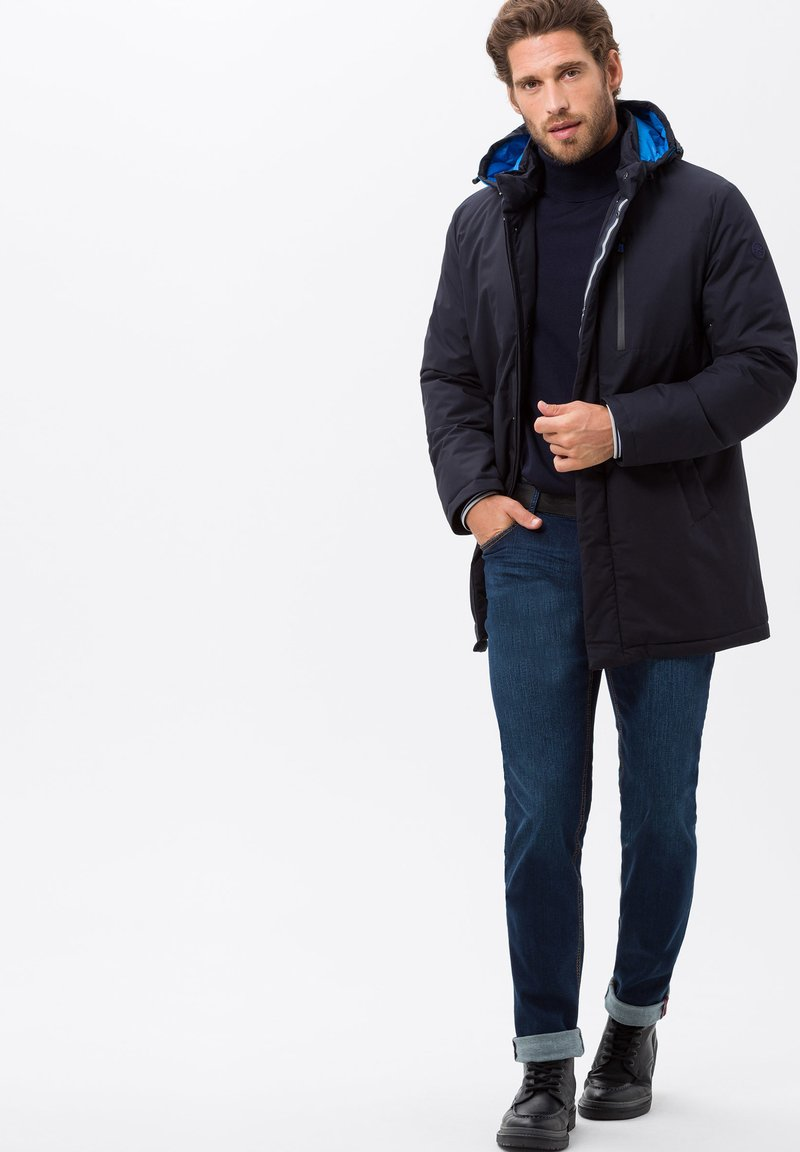BRAX - STYLE CHUCK - Slim fit jeans - mid blue