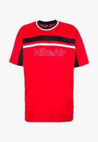 Nike Sportswear - NSW NIKE AIR - Camiseta estampada - university red/black/white - 3