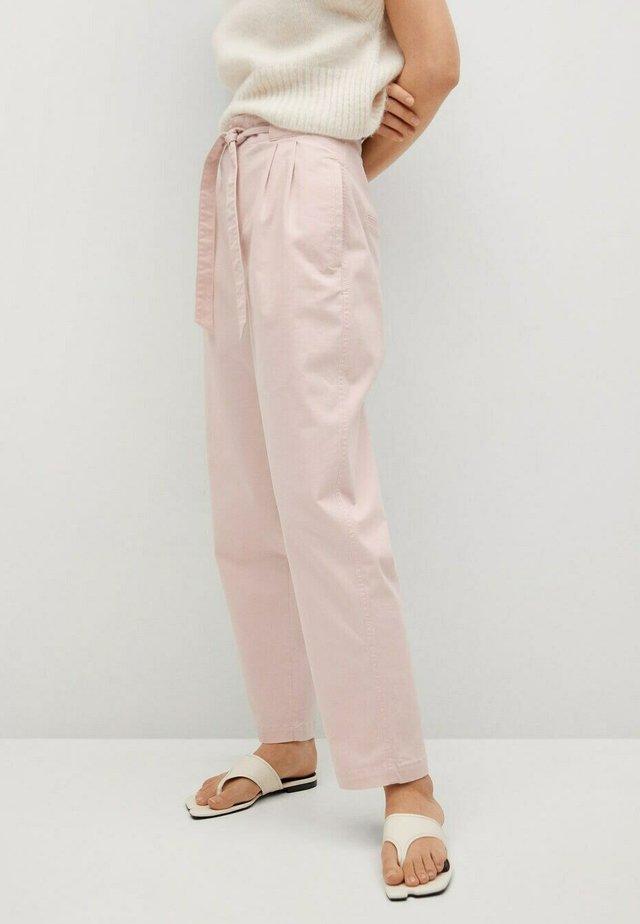 Pantalones chinos - pastel pink