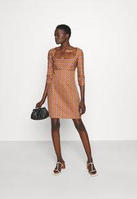 M Missoni - Shift dress - pumpkin/giallo/blood/candy - 1