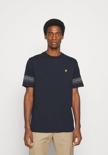 FAIRISLE - T-shirt med print - dark navy