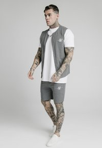 SIKSILK - Chaleco - black  white - 3