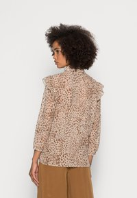 Rich & Royal - BLOUSE PRINTED WITH RUFFLES - Blouse - beige - 2