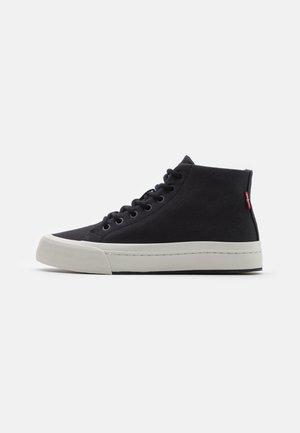 SUMMIT MID - Zapatillas altas - regular black