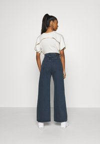 Weekday - ACE - Flared Jeans - river black - 2