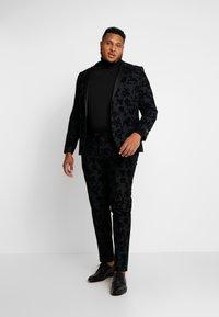 Twisted Tailor - KATRIN FLORAL FLOCK SUITPLUS - Suit - charcoal - 1