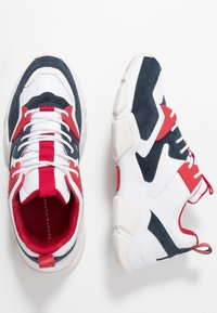 Tommy Hilfiger - CHUNKY MIX  - Sneakers - red - 1