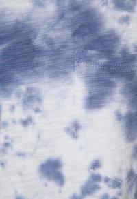 GAP - TEE DRESS - Jersey dress - blue tie dye - 2