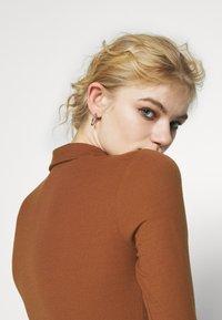 Glamorous - BUTTON THROUGH DRESS - Robe longue - rust - 3