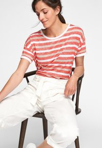 comma casual identity - Print T-shirt - red stripes - 5