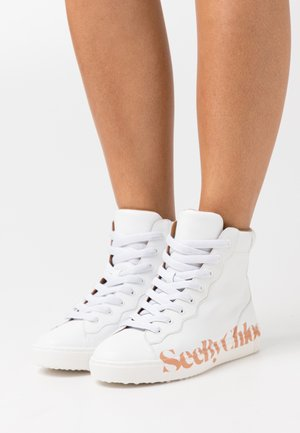 ESSIE - High-top trainers - white