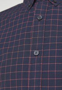 DOCKERS - ALPHA ICON - Shirt - newby pembroke - 2