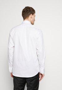KARL LAGERFELD - MODERN FIT - Camicia elegante - white - 2