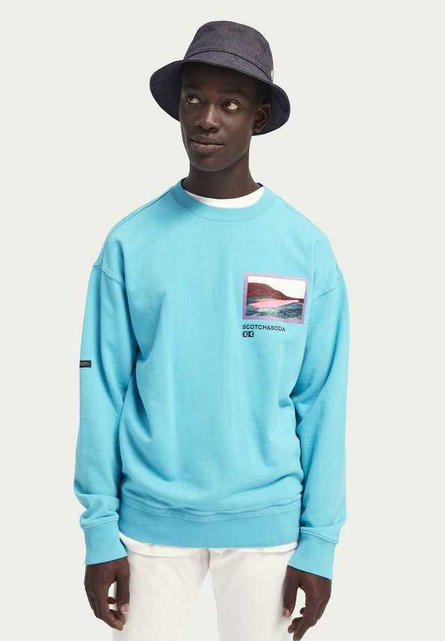 Sweater - icy blue