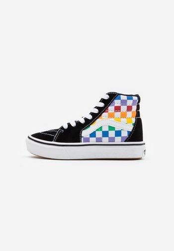 COMFYCUSH SK8 - High-top trainers - rainbow/true white