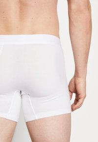 Levi's® - MEN PREMIUM BOXER BRIEF 3PACK - Pants - white - 2