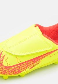 Nike Performance - MERCURIAL JR VAPOR 14 CLUB MG UNISEX - Moulded stud football boots - volt/bright crimson - 5