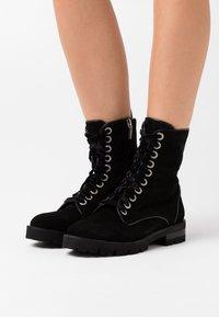 Oxitaly - RENEE - Kotníkové boty na platformě - nero - 0