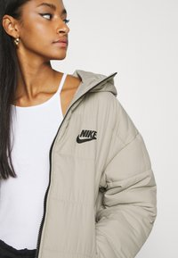 Nike Sportswear - CORE  - Light jacket - stone/white/black - 3