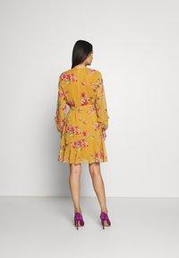Wallis - FLORAL RUFFLE SLEEVE  - Day dress - mustard - 2