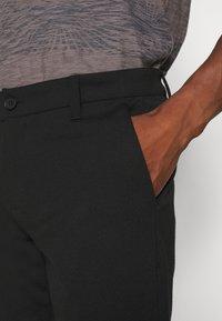 INDICODE JEANS - AALBORG - Shorts - black - 4