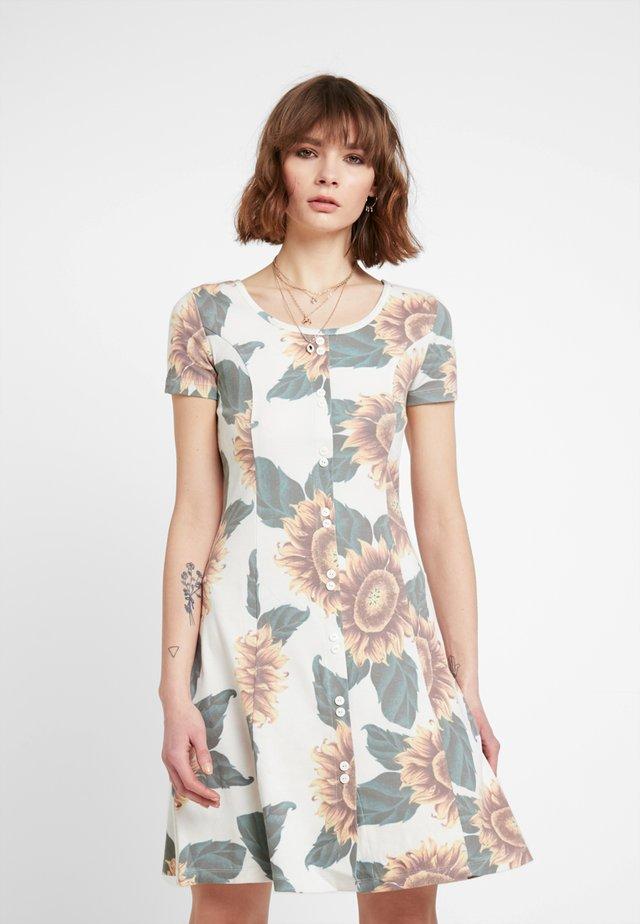 ILVA DRESS - Žerzejové šaty - ivory